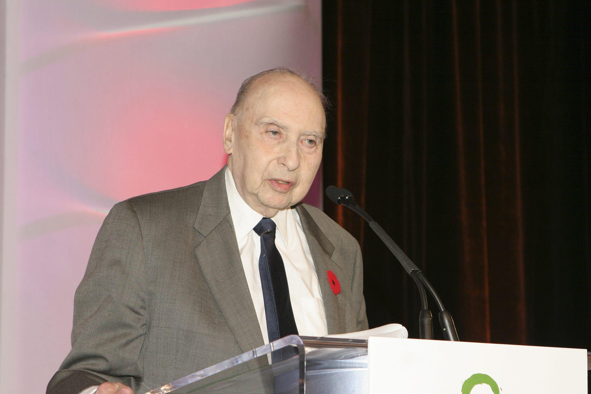2007 Dr. Rogers Prize Winner Dr. Abram Hoffer